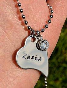 Náhrdelníky - náhrdelník srdiečko s nadpisom na želanie - 4168632_