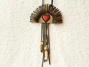 Náhrdelníky - Náhrdelník kožený, láska zakliata - 4167369_