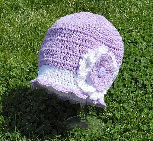 e43281c30 Dievčenská háčkovaná čiapka - fialovo biela / zdenki - SAShE.sk ...