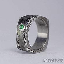 Prstene - Kovaný zásnubní prsten damasteel - Round square a smaragd 2,8 mm ve stříbře - 4191033_