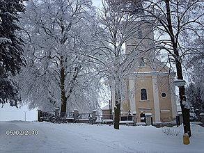 Fotografie - Zasnežený kostolík - 4192319_