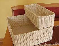 košík v bielej farbe