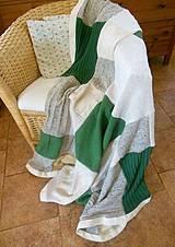 Svetrová deka béžovo zelená
