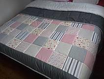 Úžitkový textil - patchwork deka 140x200 alebo 220x220 šedo - smotanovo - ružová - 4225142_