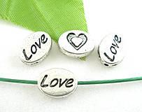 Strieborná korálka s nápisom LOVE