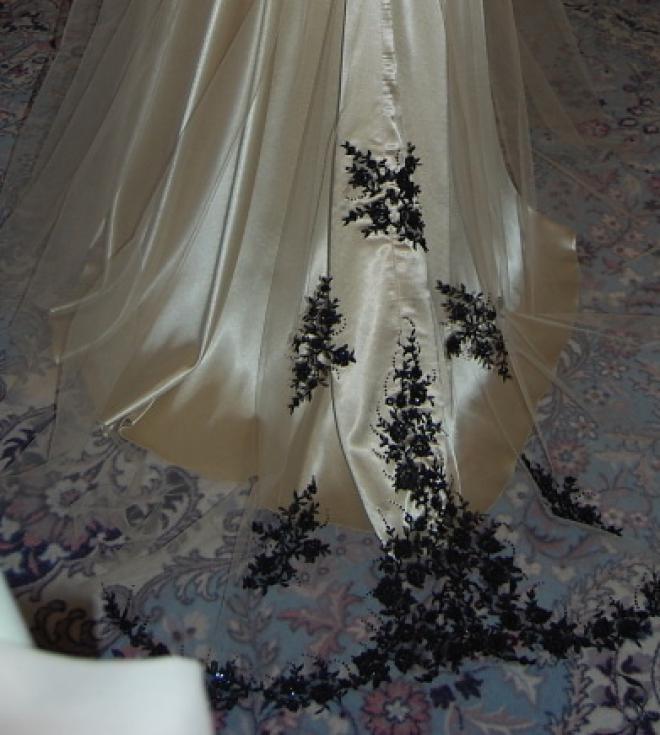 76019502d373 Svadobné šaty nemusia byť len biele   danielahrabovska   SAShE.sk