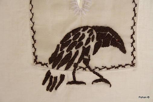 Výšivka Raven