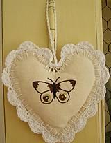 Srdce na zavesenie - motýľ