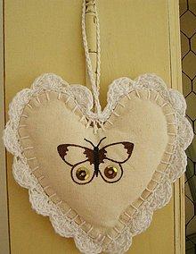 Dekorácie - Srdce na zavesenie - motýľ - 4250133_