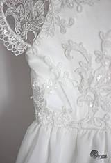 Detské oblečenie - Detské šaty z tylovej krajky s korálkami - 4288195_