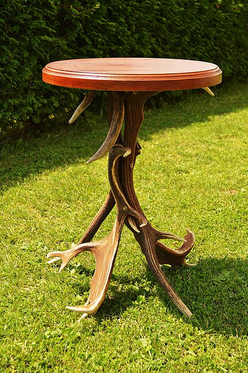 e5d0bf3a950e Masívny dubový stolík s parožím   Karol-Mirka - SAShE.sk - Handmade ...
