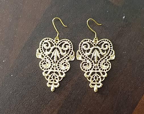 zlaté ornamenty