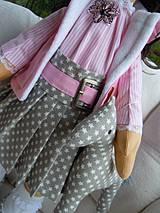Bábiky - Alica v skladanej sukničke s koníkom - 4308353_