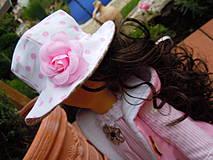 Bábiky - Alica v skladanej sukničke s koníkom - 4308360_