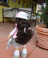 Bábiky - Alica v skladanej sukničke s koníkom - 4308361_