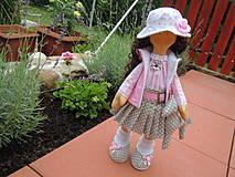 Bábiky - Alica v skladanej sukničke s koníkom - 4308362_