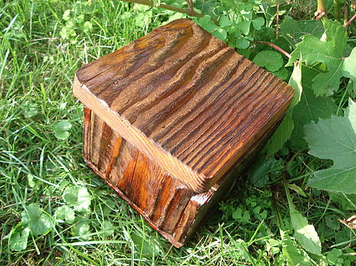 Krabička zo starého dreva