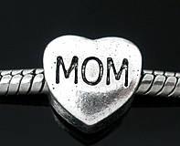 Pandorkový prívesok srdiečko s nápisom MOM
