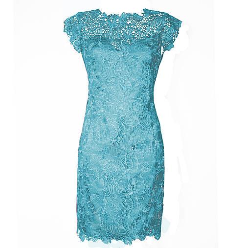 8a8bbbe679d2 Púzdrové šaty z hrubej krajky rôzne farby   Dyona - SAShE.sk ...