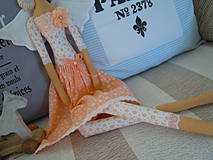 Bábiky - Marhuľová v klobúčiku - 4345766_