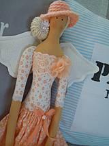 Bábiky - Marhuľová v klobúčiku - 4345768_