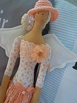 Bábiky - Marhuľová v klobúčiku - 4345769_