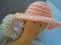 Bábiky - Marhuľová v klobúčiku - 4345773_
