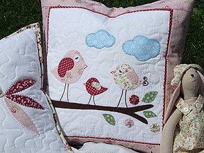 Úžitkový textil - vankúš Vtáčiky na konári - 4345439_