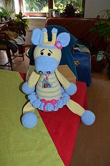 Hračky - žirafka pre našu čerstvú vnučku Amelie - 4360967_