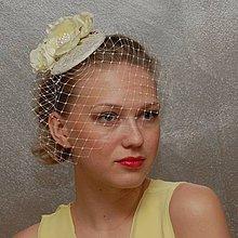 Ozdoby do vlasov - Růže svatební ivory klobouk s francouzským závojem - 4365452_