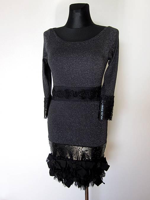 1dfb6015c349 Úpletové šaty s aplikáciami   ZoeFabrics - SAShE.sk - Handmade Šaty