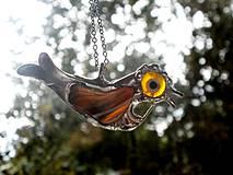 Žltý vtáčik- prívesok tiffany-achát