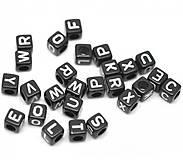 Čierne korálky abeceda kocky (balíček 500ks)