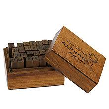 Pomôcky/Nástroje - Pečiatky abeceda v drevenom boxe - 4389997_