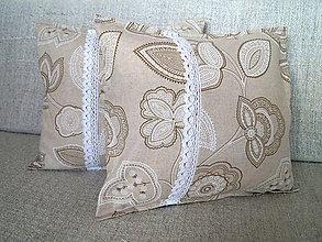 Úžitkový textil - vankúšik kvetinový s čipkou - 4407100_