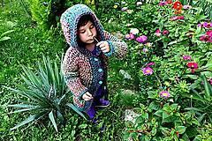 Detské oblečenie - Páslo dievča pávy. - 4442633_