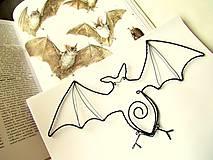 Dekorácie - veľký 27 cm netopier - 4441871_