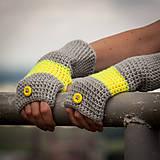Rukavice - Prúžkované žlto šedé s gombíkom - 4446357_