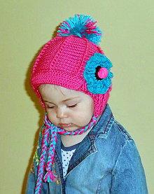 Detské čiapky - Cyklamenova bekovka s uskami zdobena makovicou - 4451324_