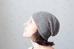 Čiapky - Háčkovaná čiapka- keď prší, fúka - 4462572_