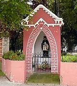 Fotografie - Ružová kaplnka z r. 1878 - 4464496_