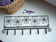 Nábytok - vešiak fialový kvet (6háčikov) - 4466385_