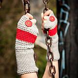 Rukavice - Prúžkované šedo červené s gombíkom - 4467225_