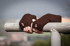 Rukavice - Hnedé rukavice s hríbikom - 4467347_