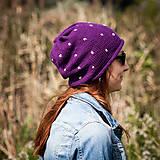 Bodkovaná fialová