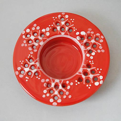 Svícen na čajovou svíčku 10 červený