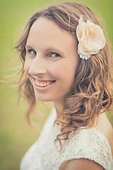 Ozdoby do vlasov - Kvet do vlasov na svadbu marhuľový - 4483989_