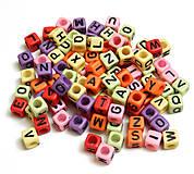 Korálky - Plastové korálky 100ks 6x6x6mm otvor 3mm kocky - 4487703_