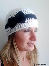 Čiapky - háčkovaná čiapka s mašličkou - 4493066_