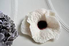 Brošne - Biely kvet - 4508461_